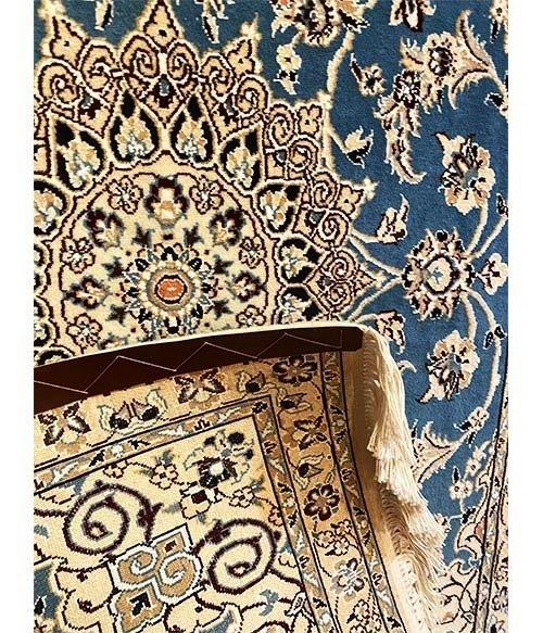 Tappeto persiano Nain fondo azzurro 165×100
